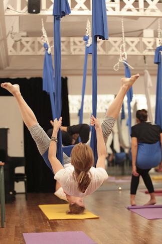 Les Papotages de Nana - Fly Yoga