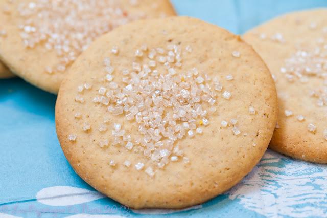 Les Papotages de Nana - Des jolis biscuits au sucre coloré